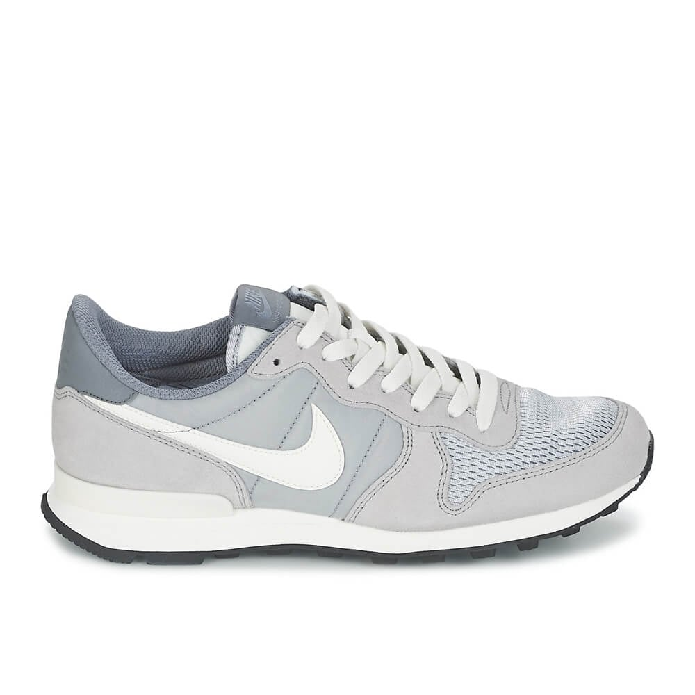 buy nike internationalist premium in wolf grey nike. Black Bedroom Furniture Sets. Home Design Ideas