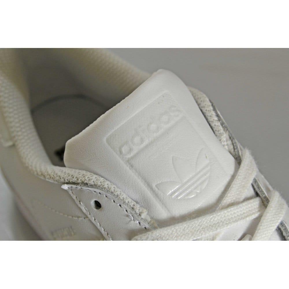 rcadd Buy Adidas Originals Superstar Foundation Juniors - White c6f6b8a979fb3